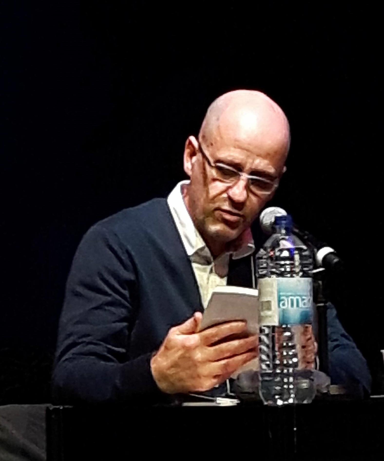 Michel Ouellette en lecture