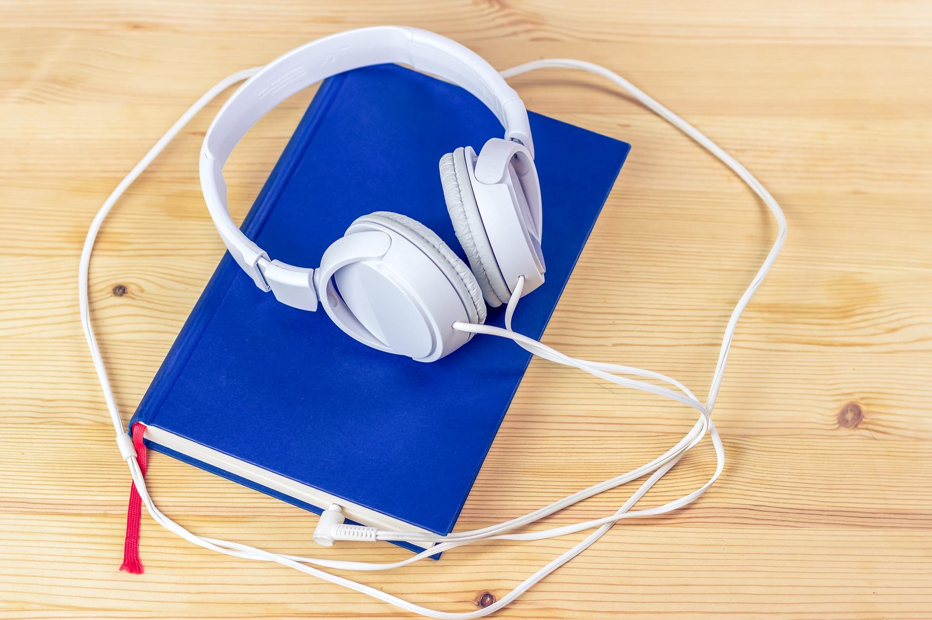 audiobook-3106985_1920